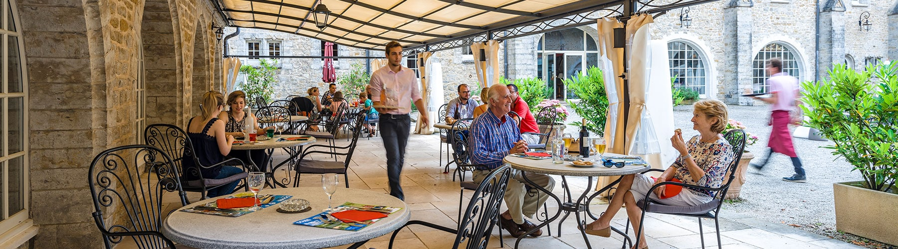 The restaurant of the Domaine de Bournel welcomes François Moiny