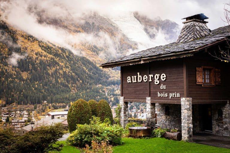 Une nouvelle ère à l'Auberge du Bois Prin à Chamonix, signée Emmanuel et Kristine Renaut
