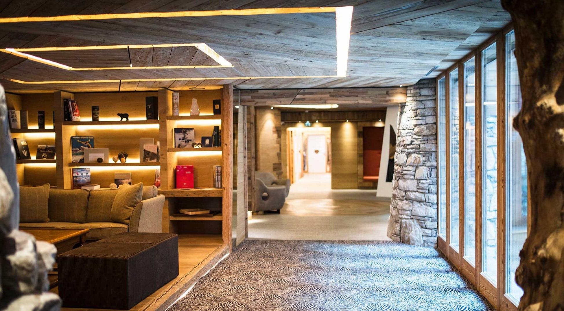 Les Barmes de L'ours, a hotel with authentic charm at Val d'Isère